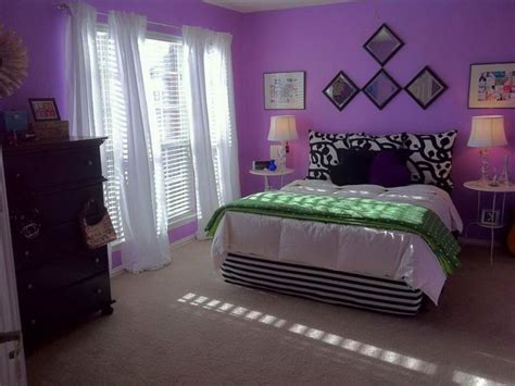 15 luxurious bedroom designs with purple color