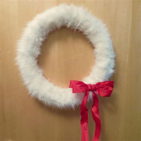 fun faux fur diy wreath allfreechristmascraftscom