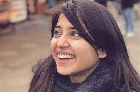 shweta tripathi trains  circus artists   tamil