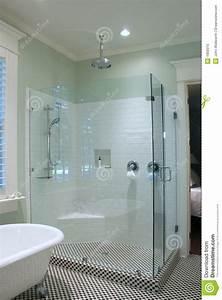 Salle De Bain Noire Et Blanche : salle de bains noire et blanche image stock image 1869315 ~ Melissatoandfro.com Idées de Décoration