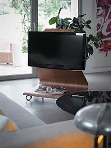 Tv Ständer Design : ausgefallene wohnzimmer m bel der lcd tv st nder von mario bellini ~ Indierocktalk.com Haus und Dekorationen