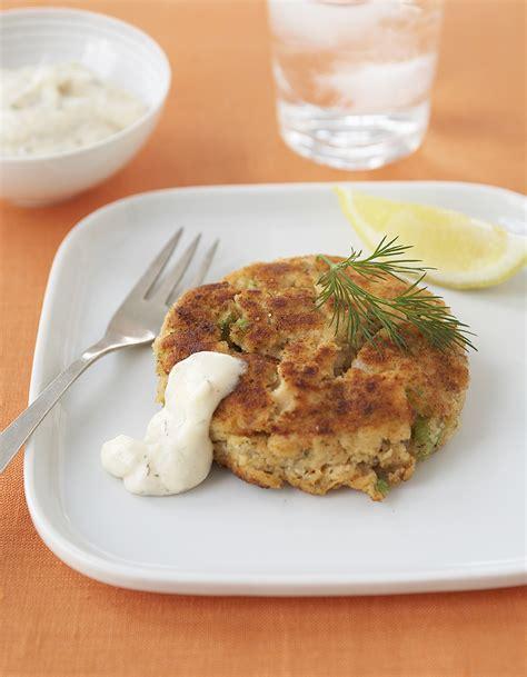 cuisiner crabe crabe cake pour 6 personnes recettes à table
