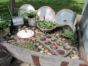 Gartenideen Zum Selber Machen : junk gardening organized clutter ~ Watch28wear.com Haus und Dekorationen