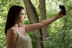 using off camera flash to fix lighting problems for With outdoor model photography lighting tips