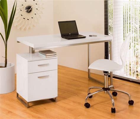 ideas  dealing    small white desk