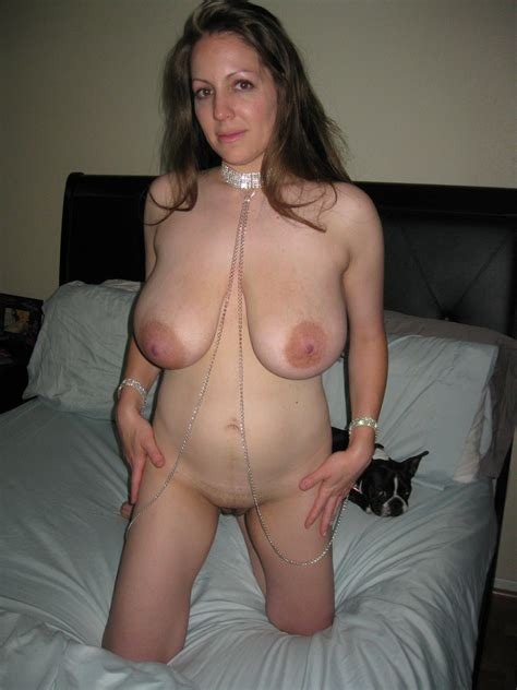 F2a In Gallery Thick And Stacked Milf Picture 5
