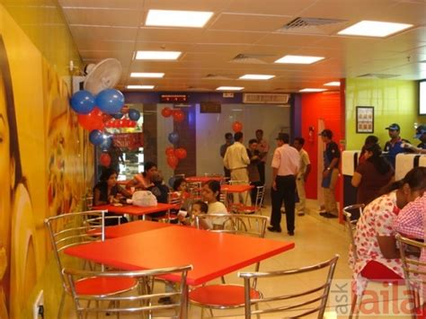 Sodexo Card Restaurant Near Me by Domino S Pizza In Connaught Place Delhi