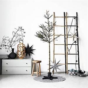 House Doctor Papiersterne : cosy christmas tree stand black house doctor house ~ Michelbontemps.com Haus und Dekorationen