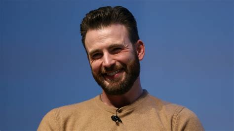 Chris Evans Opens Up About that 'Embarrassing' Dick Pic ...