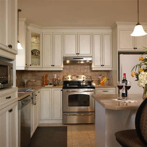 cuisine en m駘amine cuisines beauregard cuisine réalisation 202 cuisine de style classique en