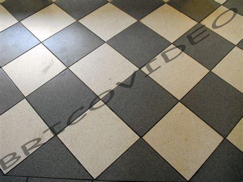 comment poser du carrelage dans un escalier qui tourne