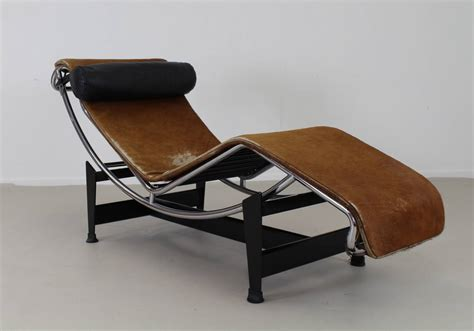 chaise original original pony skin lc4 corbusier chaise longue at 1stdibs