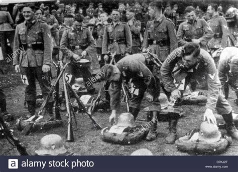 35 World War Ii German Soldiers 323 In Model Building