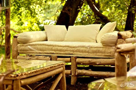 canapé bois flotté canapé en bois flotté au clair de lune luminaires