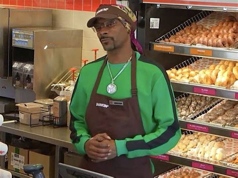 Snoop Dogg Unveils New Dunkin' Donuts Sandwich Called The ...