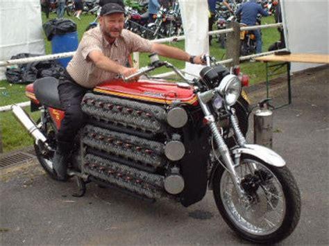 48気筒で4200ccエンジン搭載の化け物のようなバイク Gigazine