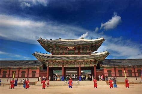 Gyeongbokgung Palace & National Folk Museum | Places to ...