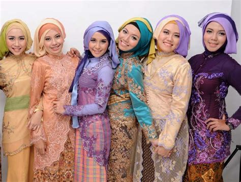 model hijab  wisuda  contoh gambarnya