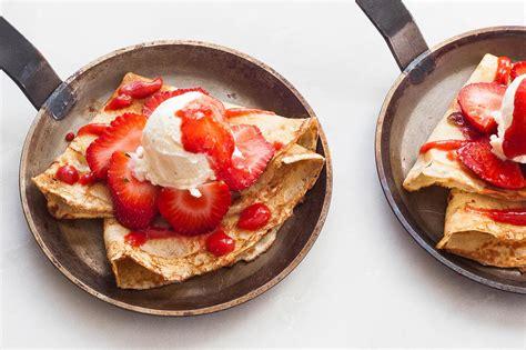 cuisine cepes how to crepes simplyrecipes com