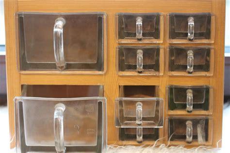 glas schuetten regal  schuetten massiv holz von mitheis