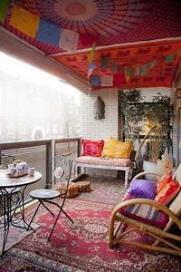 24 Colorful Boho Chic Balcony Décor Ideas - DigsDigs