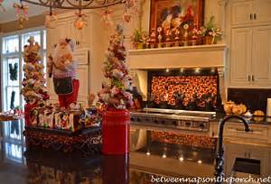 How To Decorate A Kitchen For Christmas Home Design and