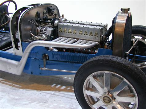 Bugatti Old Engine.jpg