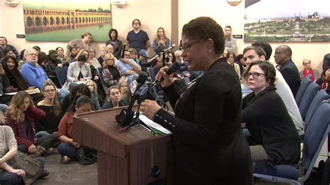 800 people pack town hall led by Rep. Karen Bass opposing ...