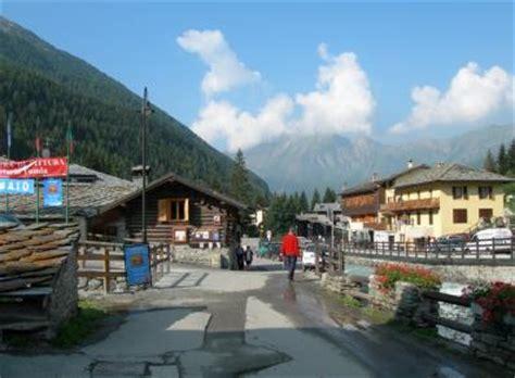 Ufficio Turismo Courmayeur by Ufficio Turismo Ayas Choluc Valle D Aosta
