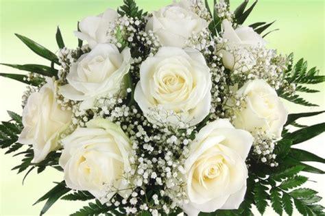 blumenstrauss weisse rosen rosenbote