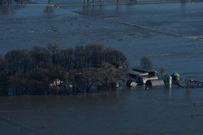 nebraska flooding towns turned  islands  bomb