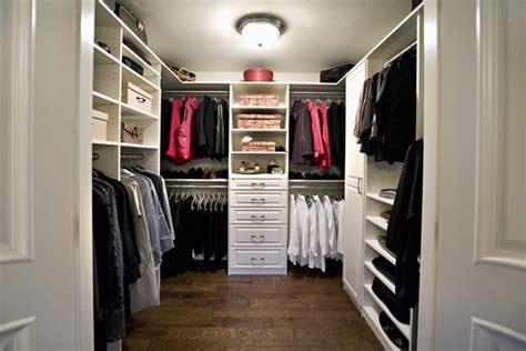 10 Amazing Walkin Closet Designs