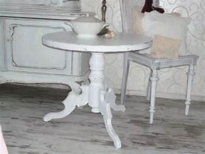 Kleiner Runder Tisch : kleiner runder esstisch haus renovieren ~ Eleganceandgraceweddings.com Haus und Dekorationen