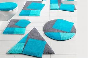 beaux modeles de tapis de salle de bain bleus With tapis de salle de bain bleu
