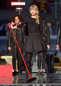 Taylor Swift performs on GMA - Houston Chronicle