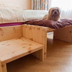 Bett Zum Wegklappen : beruhigendes zirbenholz bett f r hunde m bel aus zirbenholz ~ Indierocktalk.com Haus und Dekorationen