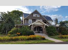 Beach Front Arts & Crafts House With Gorgeous VRBO