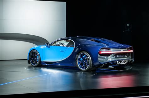2017 Bugatti Chiron First Look Review