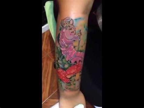 Tatuaje alicia en el pais de las maravillas YouTube