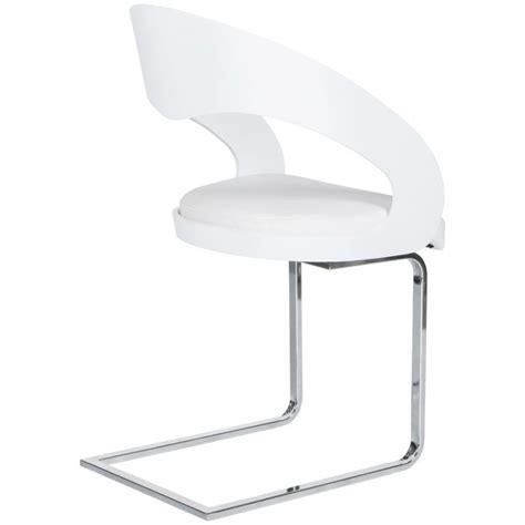 chaise simili cuir blanc chaise design loing en bois laqué et simili cuir blanc