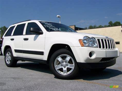 white jeep grand cherokee 2006 stone white jeep grand cherokee laredo 4x4 31643596