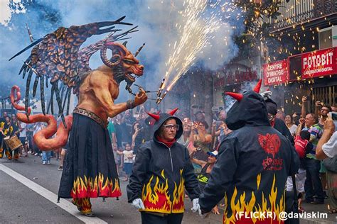 barcelona festivals sant jordi hostels