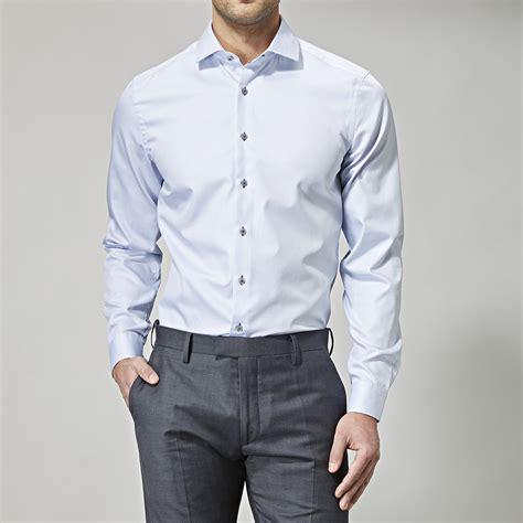 Slips till ljusblå skjorta