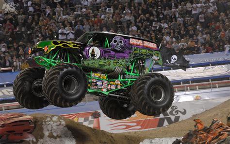 grave digger monster truck grave digger monster truck 4x4 race racing monster truck j