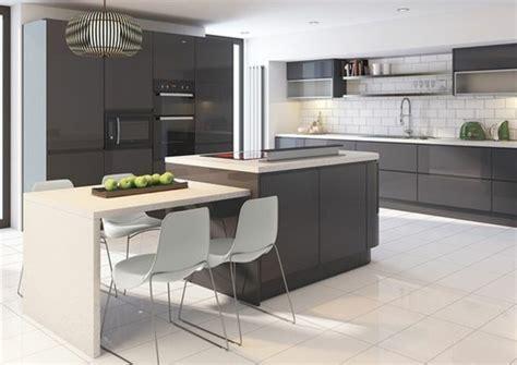 cuisine et couleurs arras cuisine gris anthracite 56 idées pour une cuisine chic