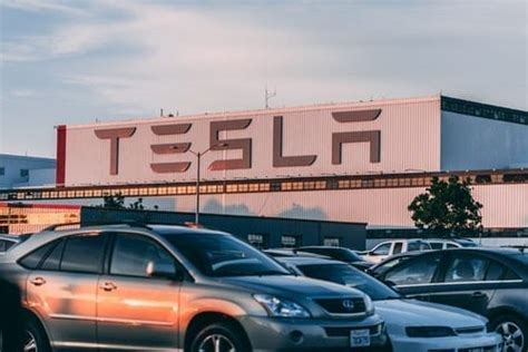 Experts: Tesla's Battery Day to Reveal New Tech, Future ...