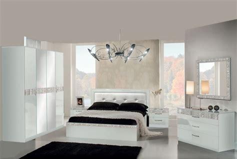 chambre laqué blanc brillant gallery of design d int rieur de maison moderne chambre a