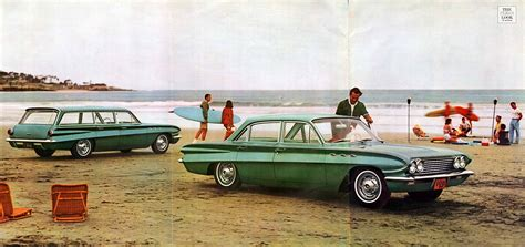 1961 Buick Special Prestige Brochure page 2 of 10