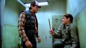 Dumb dumber lloyd and seabass toilet scene deleted for Jeff daniels bathroom scene