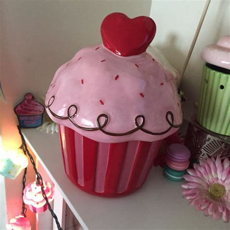 Target Valentine's Day Heart Cupcake Cookie Jar ? just